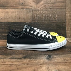 Converse low top smiley face men's 8.5 w/10.5 new